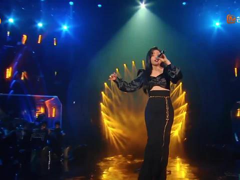 袁娅维老歌新唱,改编经典歌曲《月牙湾》,混搭戏剧唱腔太美妙了
