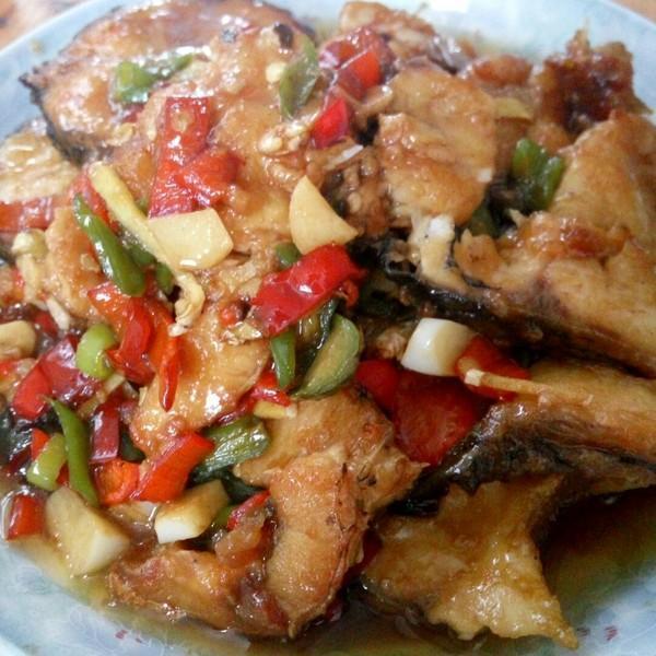 美食推荐:蒜泥红油拌肚丝,青椒炒猪肝,渣空心菜,香辣鱼块