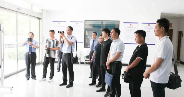 教育整顿进行时 台儿庄区人民检察院邀请媒体记者看教育整顿