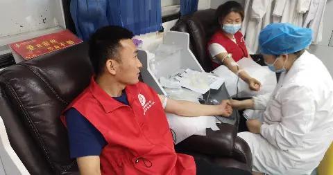 """城隍庙社区:开展""""献血,让世界继续跳动""""党员学雷锋志愿服务活动"""