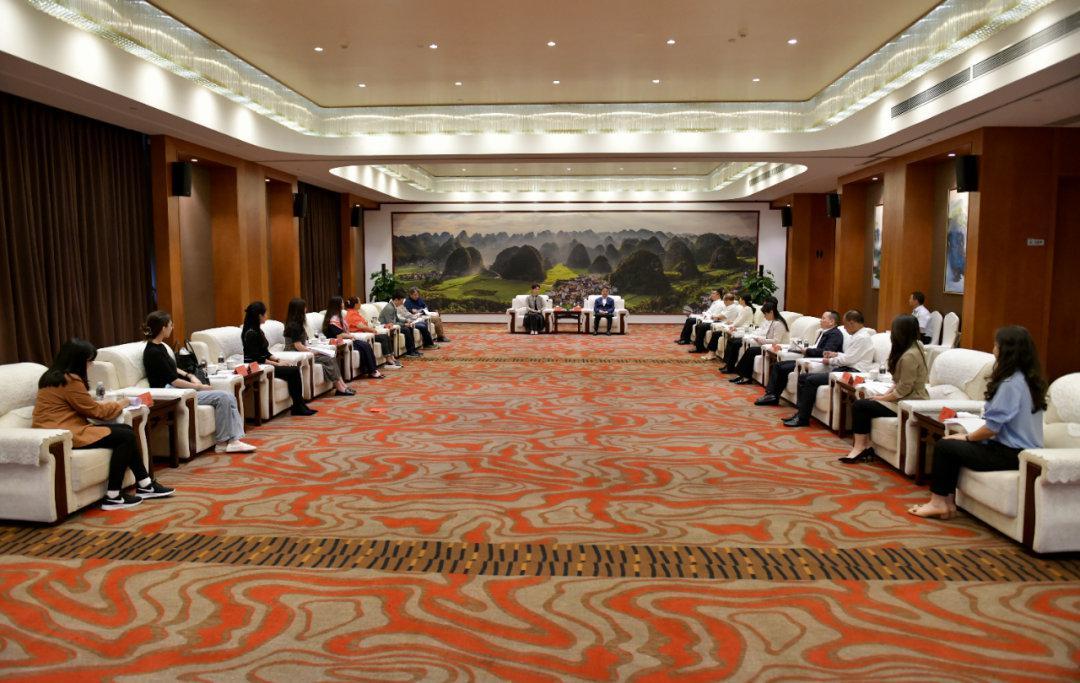 携手推动文化艺术繁荣发展 积极满足人民群众对美好生活的向往 刘文新会见中央音乐学院副院长于红梅一行