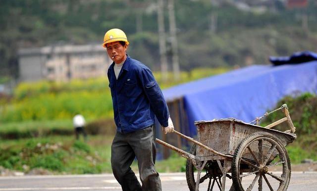 """42岁男子,常用""""1素""""煮水,摘掉乙肝""""帽子"""""""