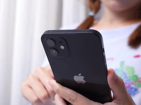 OPPO Reno6对比iPhone12上手评测,光快充苹果用户就馋哭了?