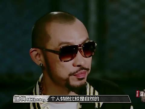 中国有嘻哈:艾福杰尼的表演得到了制作人的认可,确实很棒