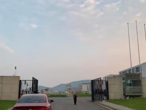 一片废墟!江苏队训练基地不复存在,豪华大楼已拆除,仅建成4年