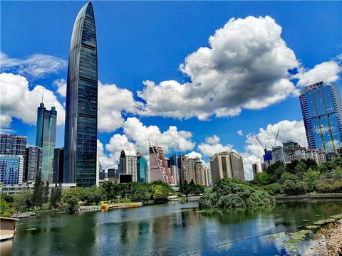 荔枝公园之荔湖掠影:亭桥环翠清波粼粼,宛如公园的一颗明珠