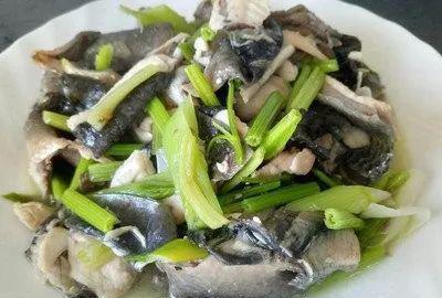 鱼皮做凉菜你知道怎么吃吗?教你几道凉拌菜做法,包你轻松学会