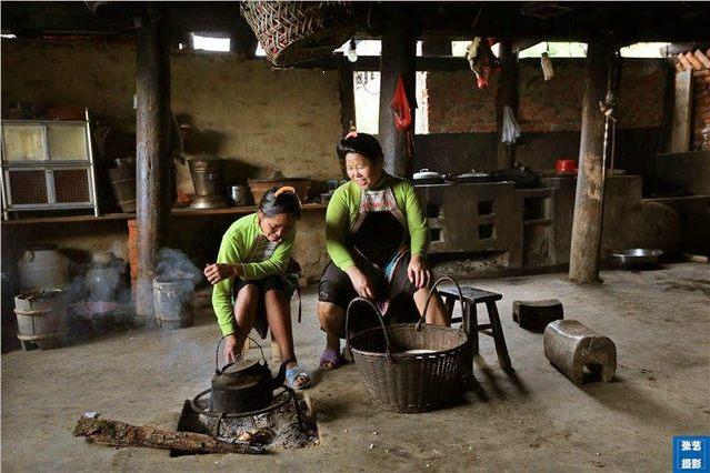 中国只有这个部落,每个男人身上都配杆枪