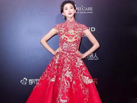 红毯上的林志玲穿旗袍,大气高贵尽显精致的女人味,美成了焦点!