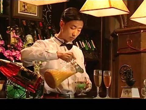 大染坊 服务员笑乞丐陈六子, 陈六子说我一天能挣三个这样的饭馆