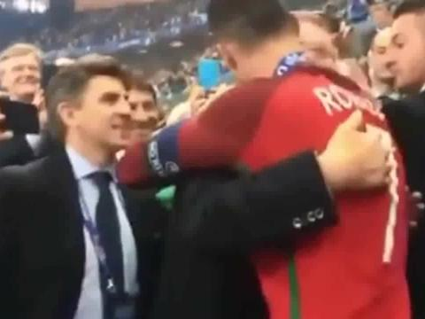C罗与弗格森,欧洲杯最温暖的拥抱,你还记得吗?