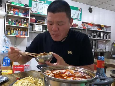 19元自助小火锅,一口肉一口酒,豆皮当面条,带劲
