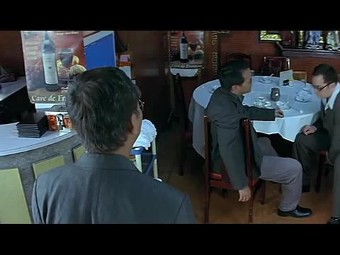 小伙在阿来的场子搞事,鬼哥和气和他谈非要拽,结果被抹了脖子