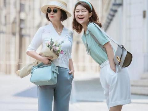 五六十岁的女人,尽量少穿露腿装,这3种长裤配平底鞋,时髦显瘦