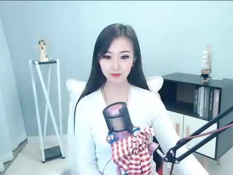 李谷一阎维文柳石明唱《刘海砍樵》,李谷一表演小少女,观众乐坏