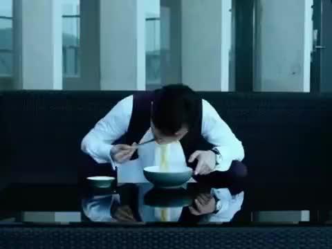 《大人物》有钱就是任性,赵公子吃了一碗面,就有人帮他顶罪!