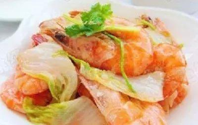 美食分享:大虾炒白菜、百合瘦肉汤、酸菜肥肠、水煮素鱼