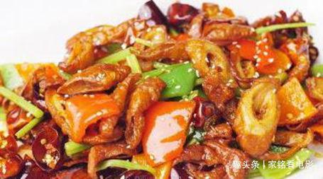 美食推荐:韭菜炒鸡蛋,酱烧黄鳝,泡菜肉末豆腐,干煸肥肠的做法