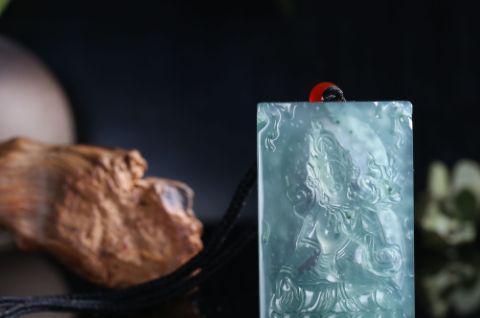 什么是雪花棉翡翠?如何判断雪花棉翡翠的品质?