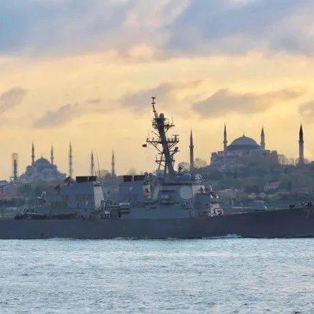 8艘核潜艇逼近美沿海,50艘战舰40架战机宣誓自由航行,美军慌了