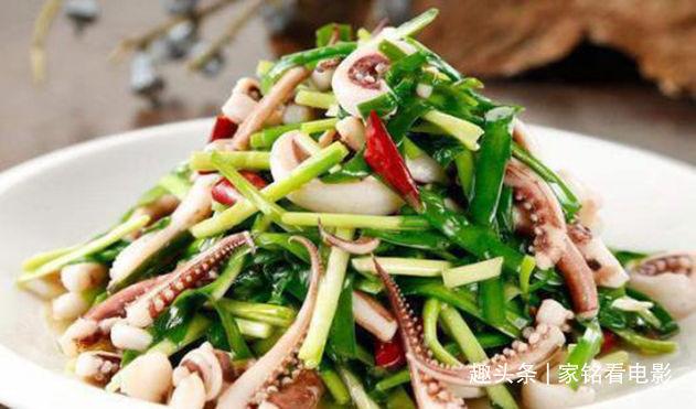 美食推荐:虾仁炒蛋,韭菜鱿鱼须,菠菜炒蛋皮,素炒小油菜的做法