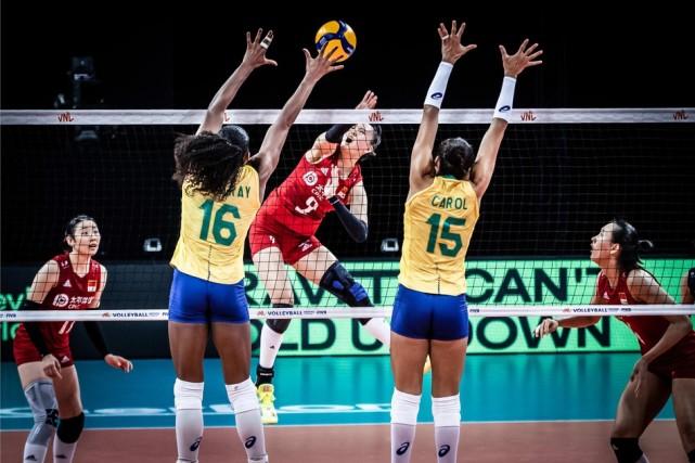 中国女排又诞生一位世界巨星,联手朱婷奥运夺金