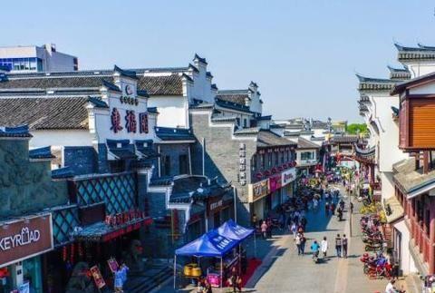 """像每周末游客编织的一样,宁波网红打牌地被称为""""宁波之眼"""""""