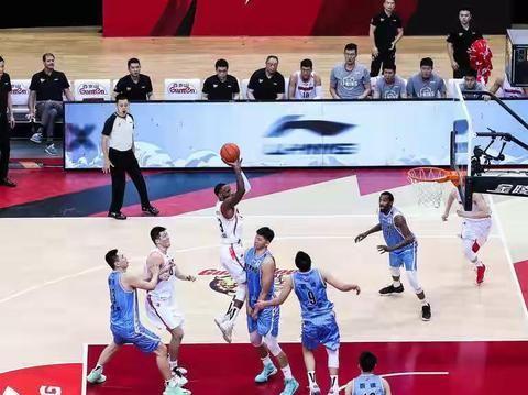 广东男篮的危机来了,下赛季北京男篮大概率能夺冠