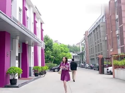 亲爱的翻译官:乔菲去上海法国文化交流中心报名高级口译课程!