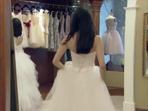 小北试穿婚纱,文静看了都心动,遗憾不能女女结婚