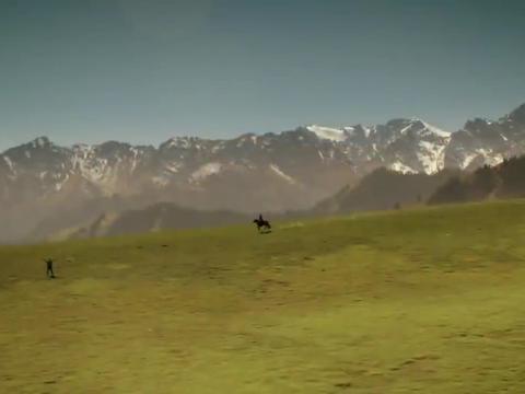 大牧歌:林凡清展开双臂晒太阳,一个姑娘骑着马过来了!