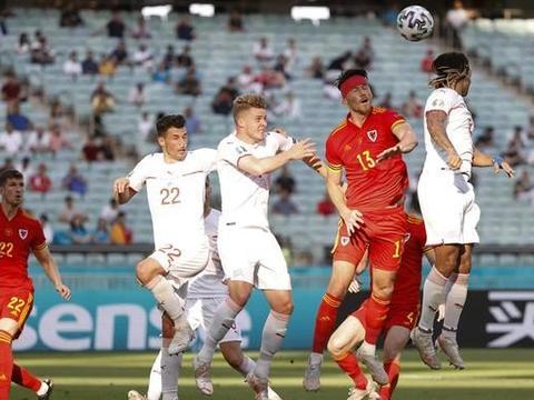 瑞士无缘开门红,悍将头球破门,贝尔评分是亮点