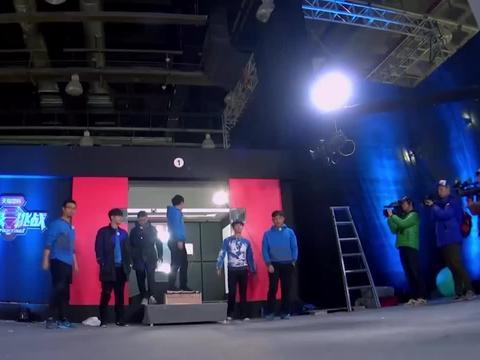 黄渤变拉货司机,带着其他5人去机场,结果下秒翻车了丨极限挑战
