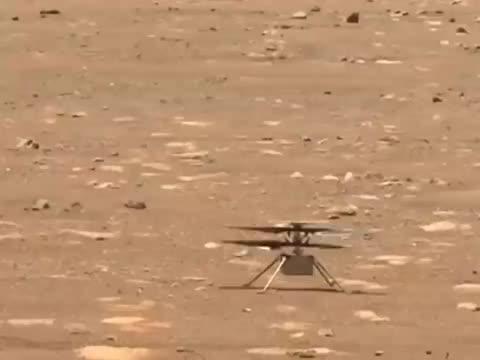 """""""机智号""""直升机对叶片进行了慢速旋转测试"""