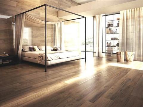 家里不要铺木地板了,聪明人装这种更省钱好看易清洁,后悔才察觉