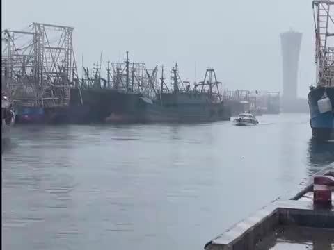 风雨中有人牵挂你:1000余名渔船民上岸避风