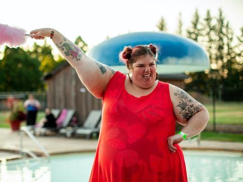 男人在乎女人胖吗?爱上一个人,哪里管他胖瘦!