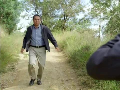 后海不是海:石墨看到霍忠实受伤,气势汹汹跑去找黑子的爹!