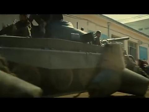 动作大片敢死队,开场装甲车开大炮,战机都不是摩托的对手!