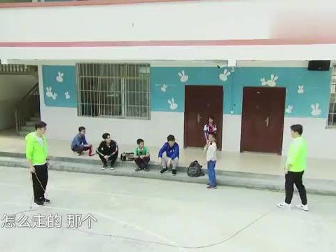 极限挑战:农村小孩跳鬼步,黄渤看到极度吐槽:跟老头蹬三轮一样