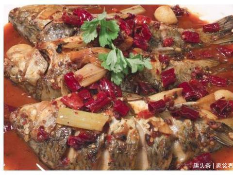 美食推荐:鲫鱼,高升排骨,糖醋白菜排骨,蛤蜊香菇鸡的做法