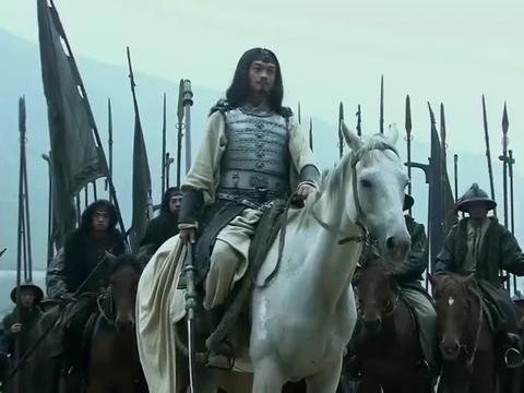 《三国》马超和张飞大战几百回合不分胜负,刘备看着急了