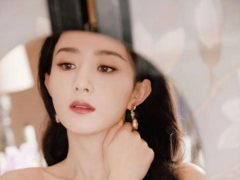赵丽颖穿抹胸粉裙大秀白皙肌肤!曼妙身材性感迷人