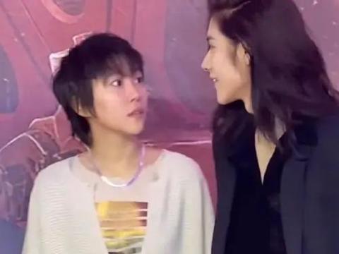 窦靖童出席上海国际电影节一脸懵,我是谁?我在哪?