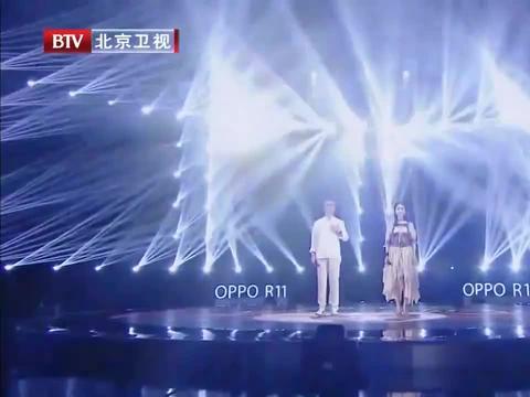 娄艺潇于毅同台献唱《凉凉》,一个空灵一个沧桑,尽显默契!