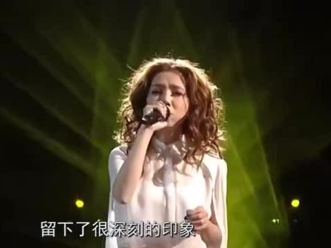 费玉清再次演唱《南屏晚钟》,一开口还是熟悉的韵味