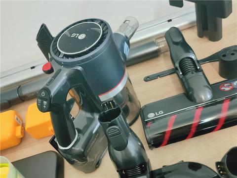 LG A9K MAX吸尘器开箱:做工扎实,堆料十足,惊喜实在多
