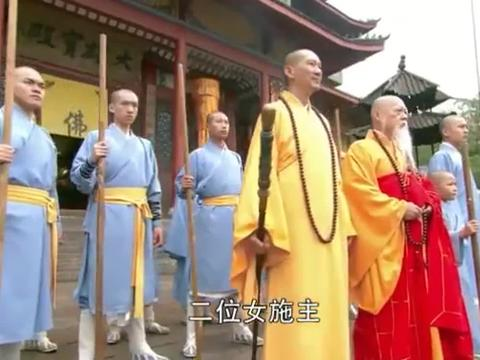 古装美女到少林寺挑衅比武,这下好了,直接被打的服服帖帖