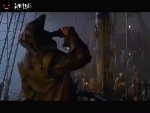 加勒比海盗:黑胡子一拔出剑,在这艘船上,他就是唯一王者!