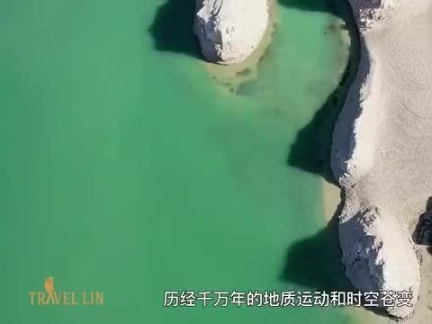 世界面积最大的水上雅丹群落:青海乌素特雅丹地质公园